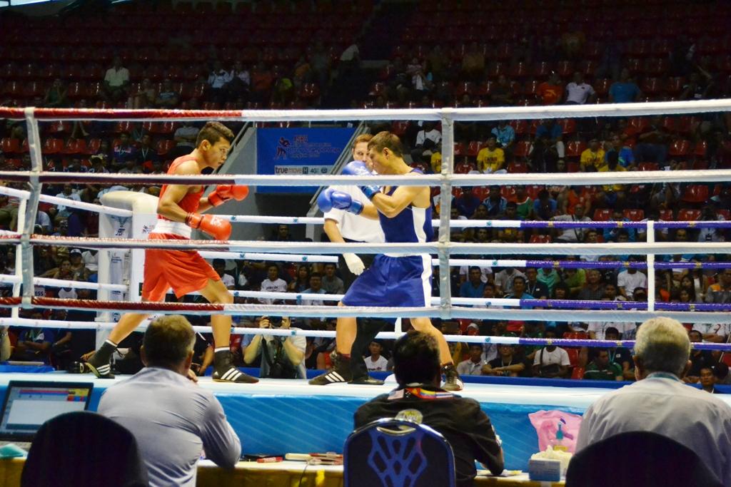 DSC_0188 - Wuttichai Masuk THA W.P. Left vs. Fazliddin Gaibnazarov UZB Right - 64 kg - 1024x768